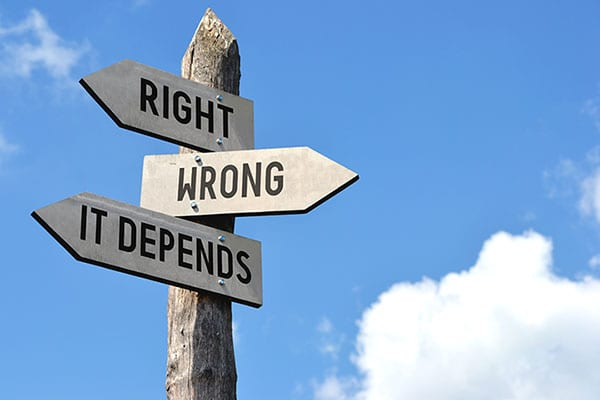 Signpost says right, wrong, it dends